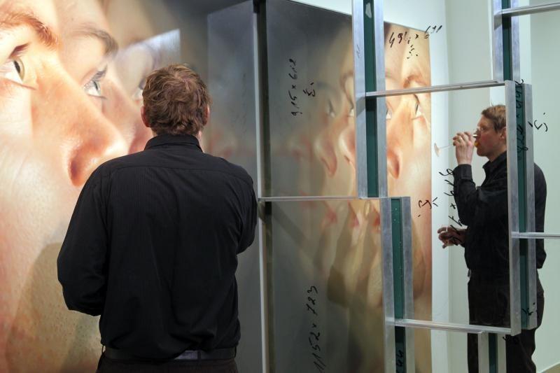 R.Bartkaus darbų vyras nepamatė, nes galerijos darbuotojas pramigo?