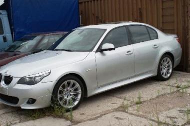 BMW atšaukia 350 tūkst. automobilių su stabdžių problemomis