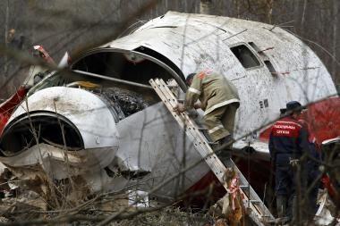 Lenkijos prezidento lėktuvo nuolaužas Smolenske aptvers tvora ir uždengs brezentu