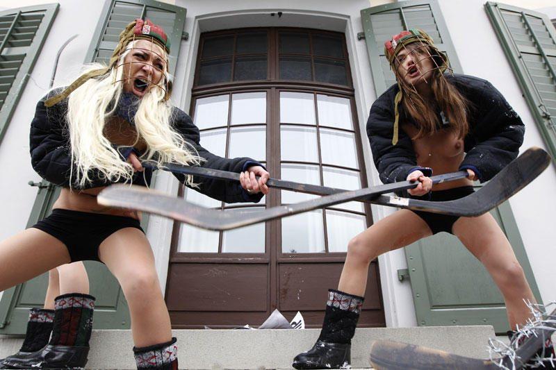 FEMEN aktyvistės - prieš ledo ritulio čempionatą Baltarusijoje