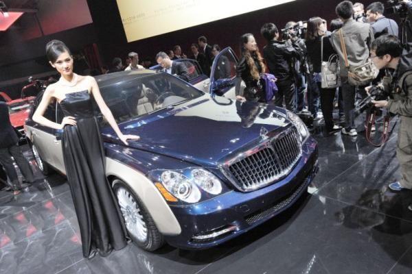 """Pekino automobilių paroda: beveik nepasikeitęs """"Maybach"""""""