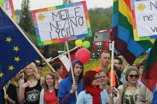 Transporto firma įspėta dėl homoseksualų diskriminavimo (atnaujinta)