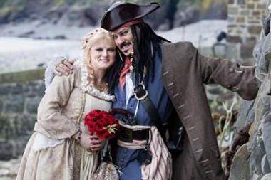 """Britanijoje susituokė """"Karibų jūros piratai"""""""