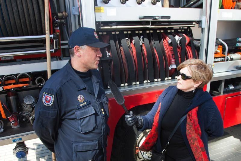 Ugniagesiai: už žolės deginimą skiriamos baudos nuo 50 iki 1000 Lt