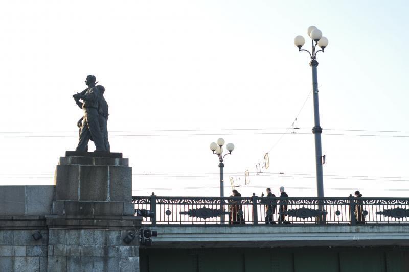 Ketinama restauruoti Žaliojo tilto skulptūras