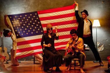 """Staigmena """"Sirenų"""" gerbėjams –  papildomi bilietai į spektaklį """"I am America"""""""