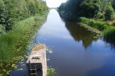 Po susidūrimo su motociklu – į vandens kanalą (papildyta)