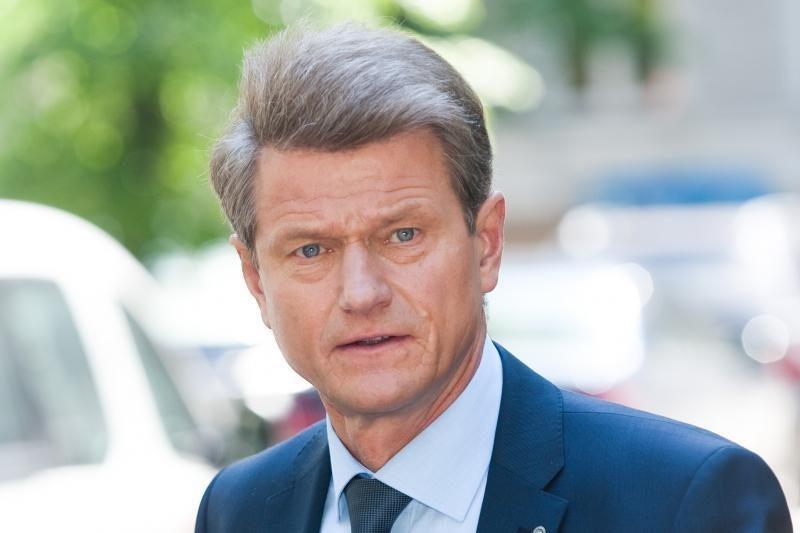 Prezidentė atvėrė kelią Rolandui Paksui į Seimą
