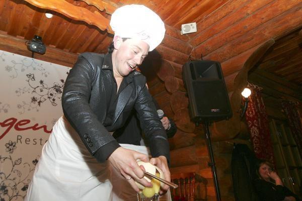 Mino atšventė 33-iąjį gimtadienį