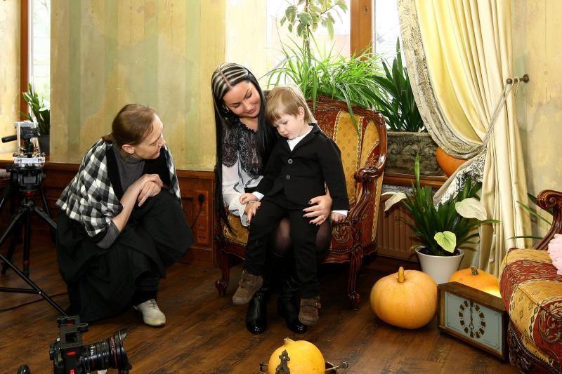 Kalėdų belaukiant: garsenybių vaikai paragavo aktorių duonos