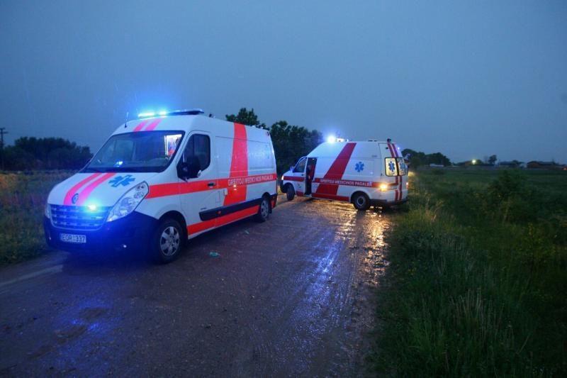 Prie Kauno per audrą nukrito oro balionas, sužeisti 7 žmonės
