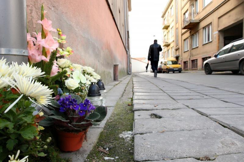 Pradėtas tyrimas dėl bandymo paveikti liudytoją Kauno žudynių byloje