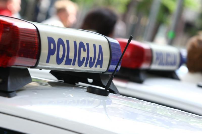 Policija tiria įtartiną vagystę iš kauniečio kiemo