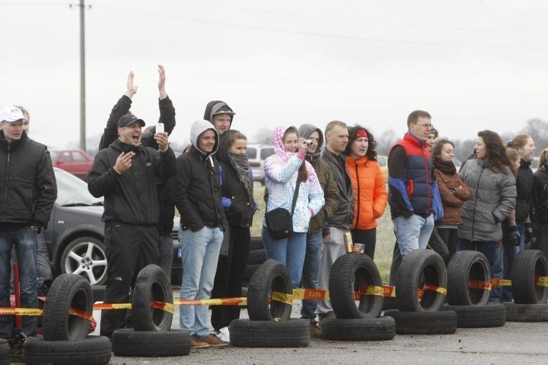 Veiviržėnuose pavasarį budino slalomas