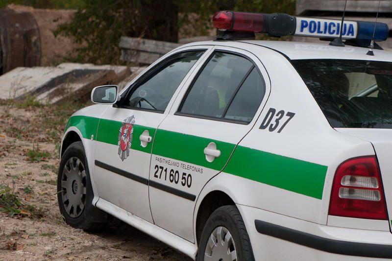 Su prostitutėmis lėbavusius pareigūnus sučiupo patys kolegos