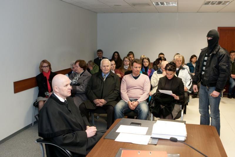 Mergaitei teisme atstovaus ne L.Stankūnaitė, o valstybės atstovas