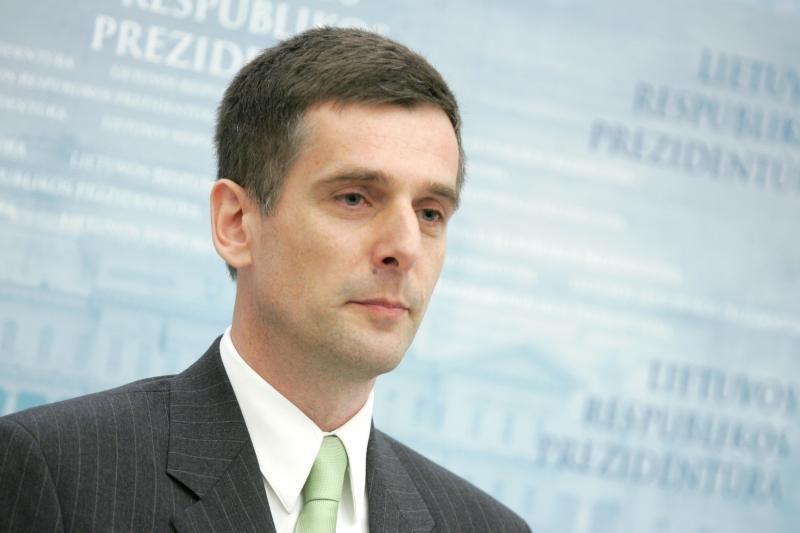 Į Antikorupcijos komisiją skubiai iškviesti VSD vadovai