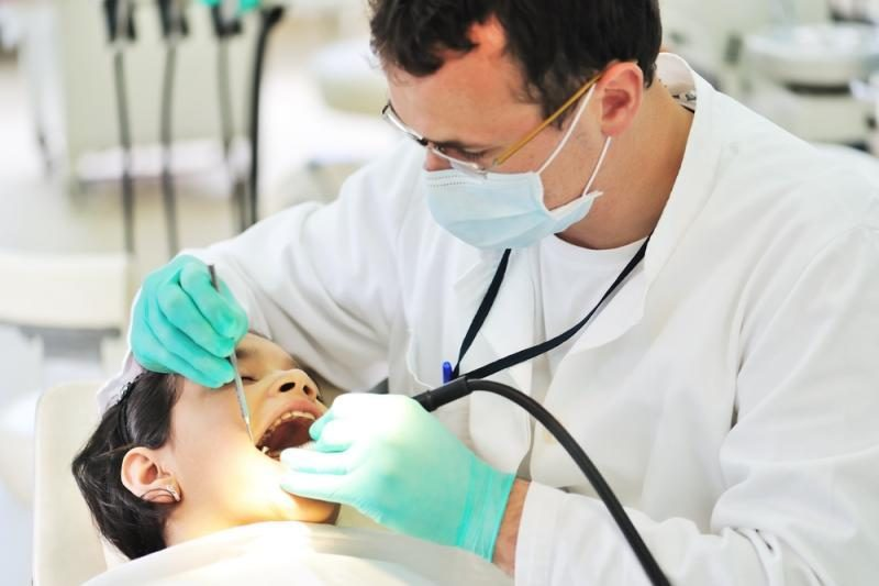 Gydymasis pas odontologą savaitgalį – iš paciento kišenės