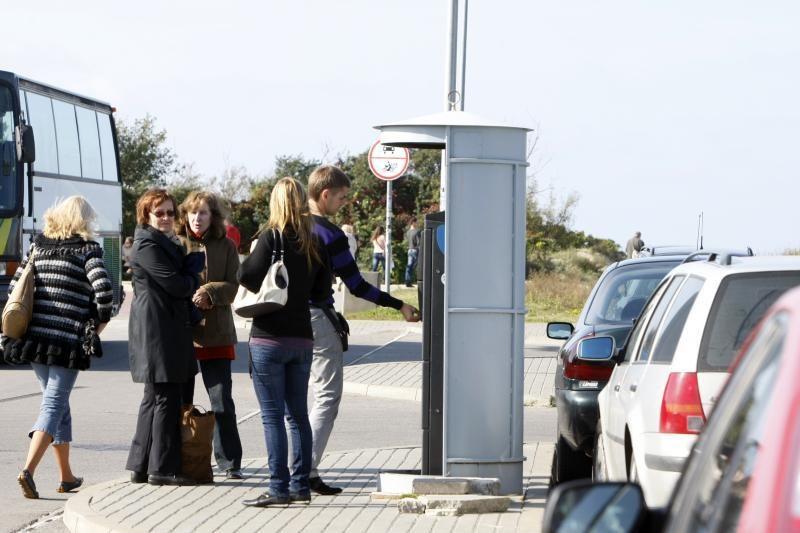 Atvykėliai pamiršta sumokėti rinkliavą už mašinų stovėjimą