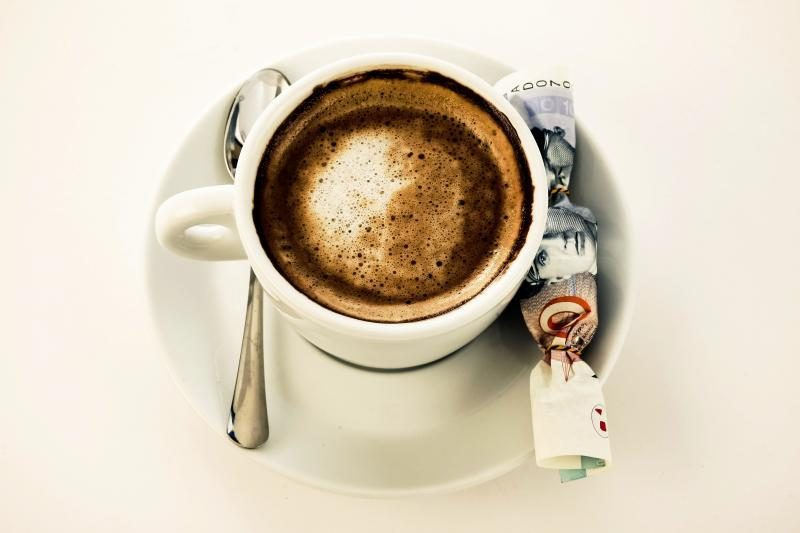 """""""Nėštukėms"""" patariama atsargiai gerti kavą"""