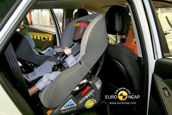 """""""Hyundai ix35"""" nusipelno 5 """"Euro NCAP"""" žvaigždučių"""