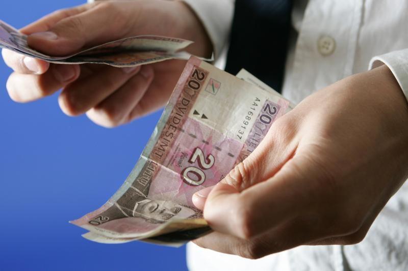 Vilkaviškio rajone moteris sukčiams atidavė 1000 litų