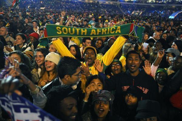 Pasaulio futbolo čempionatą atidarė planetos ir Afrikos muzikos žvaigždės