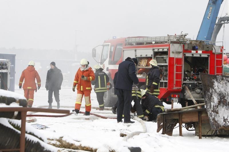 Klaipėdos uoste ketvirtadienį užsidegė laivas (papildyta)