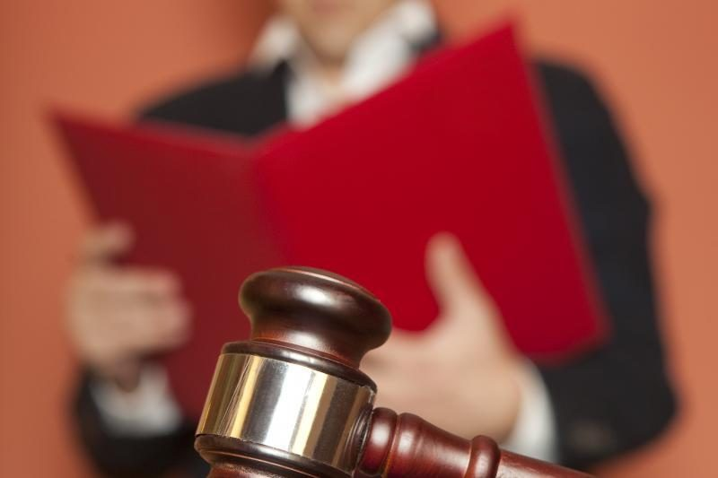 Pinigus iššvaisčiusiems verslininkams ir jų talkininkui paskelbtas nuosprendis