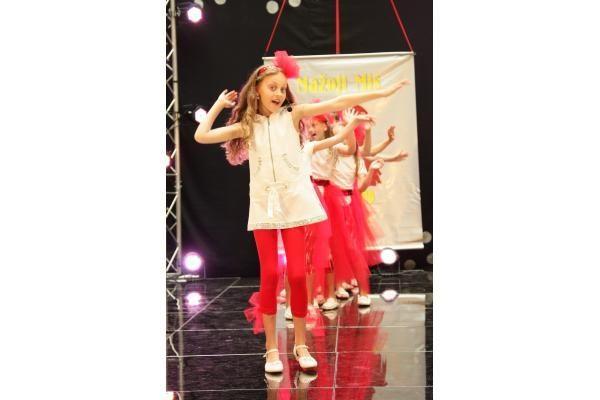 """Džiugino Grožio ir mados šventė """"Mažoji Mis 2009"""""""