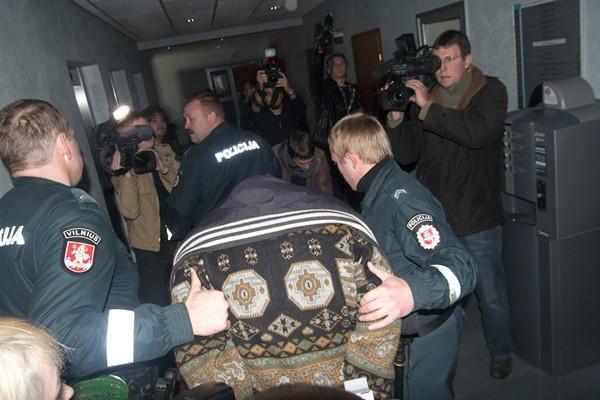 5 mergaites ir moteris išprievartavęs studentas suimtas 3 mėnesiams (papildyta)