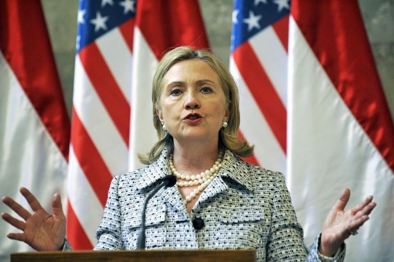 H.Clinton vizitas galbūt įkvėps demokratus posovietinėse šalyse