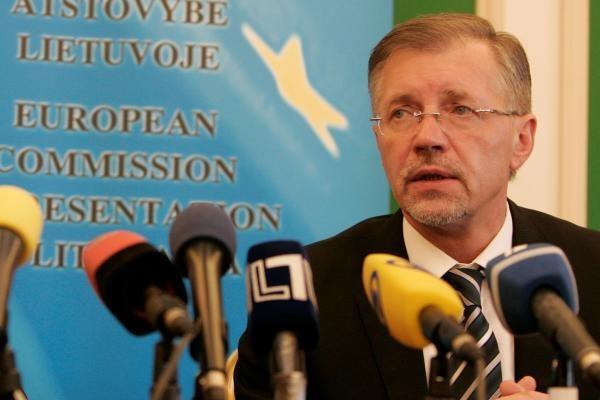 Eurokomisaras euro Lietuvai greitai nežada