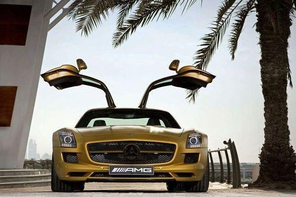 "Į Dubajų - du prabangūs ""Mercedes"""