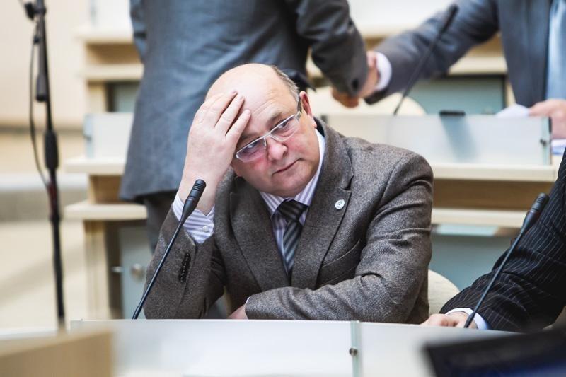 Kauno miesto taryboje prisiekė I. Matijošaitienę pakeitęs B. Želvys