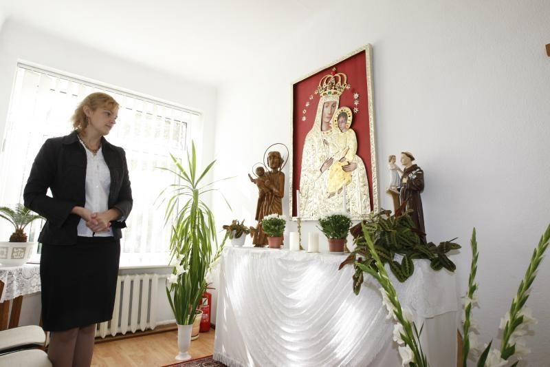Šilumos ir supratimo senoliai ieško uostamiesčio globos namuose