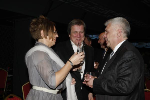Politikai paskutinį Klaipėdos miesto tarybos posėdį baigė puota