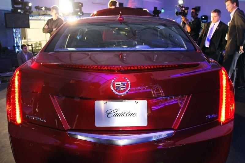 """Detroito automobilių paroda: prabanga dvelkiantis naujasis """"Cadillac"""""""