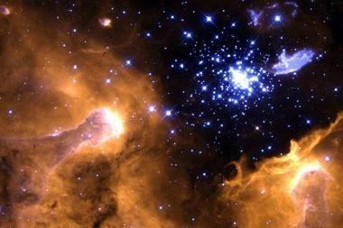 Devynios jaunos žvaigždės prarijo savo planetas
