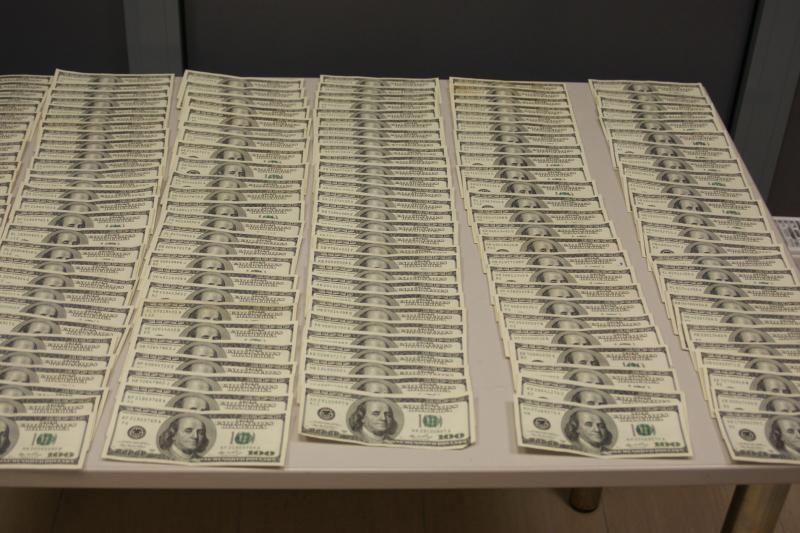 Palangos oro uoste sulaikyta 100 tūkst. litų vertės nuslėptos valiutos