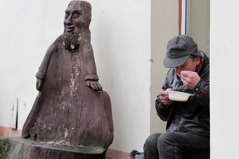 """Įžymybės Klaipėdoje kvietė vaišintis """"Maltiečių sriuba"""""""