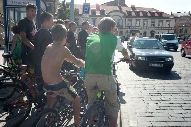 Vilniaus senamiestyje sunkvežimis pervažiavo suomį