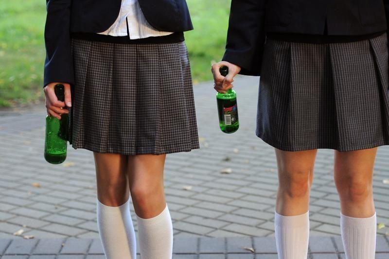 Savivaldybėms siūloma suteikti teisę riboti prekybą alkoholiu jaunimo renginiuose