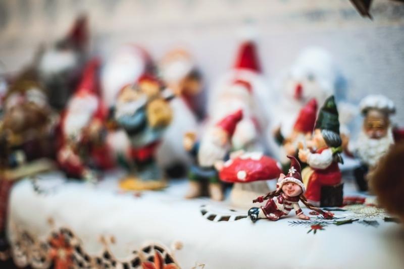 Kaunietės namuose gyvena 100 Kalėdų senelių