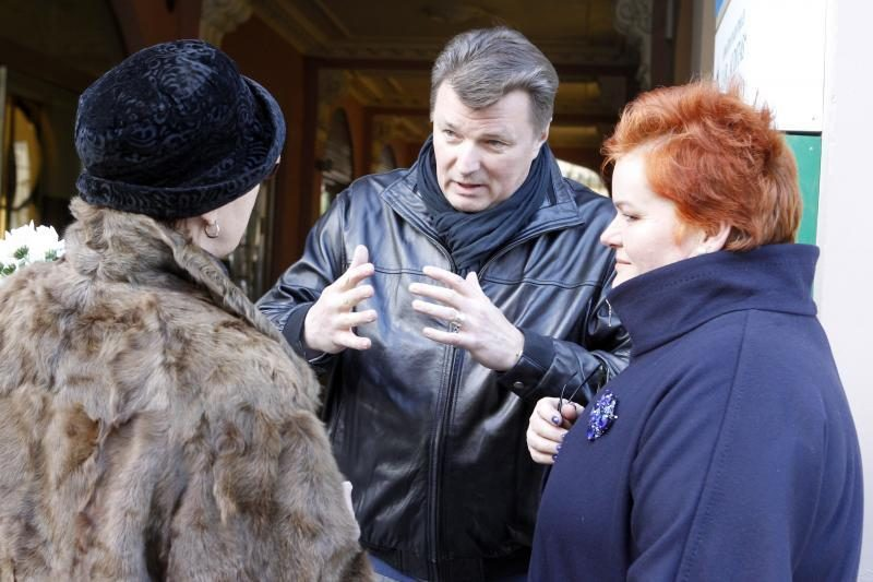 Lietuva atsisveikina su V. Šapranausku (papildyta)