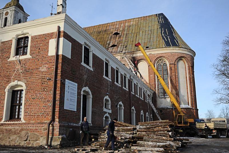 Pradedamai restauruoti Tytuvėnų bažnyčiai trūksta 800 tūkst. litų