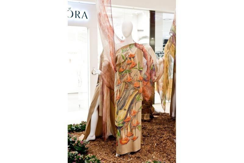 Pristatoma Ramutės Stakėnienės suknelių kolekcija