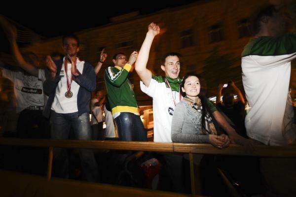 Lietuva pasitiko bronzą iškovojusią krepšinio rinktinę (papildyta)