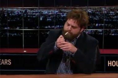 Aktorius Z.Galifianakis TV laidoje rūkė