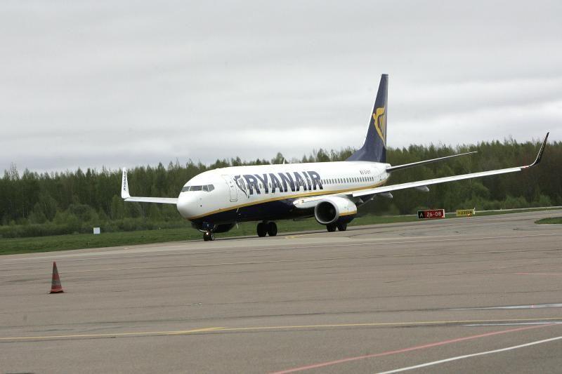 Keliavo į Ispaniją – buvo įkalinti lėktuve